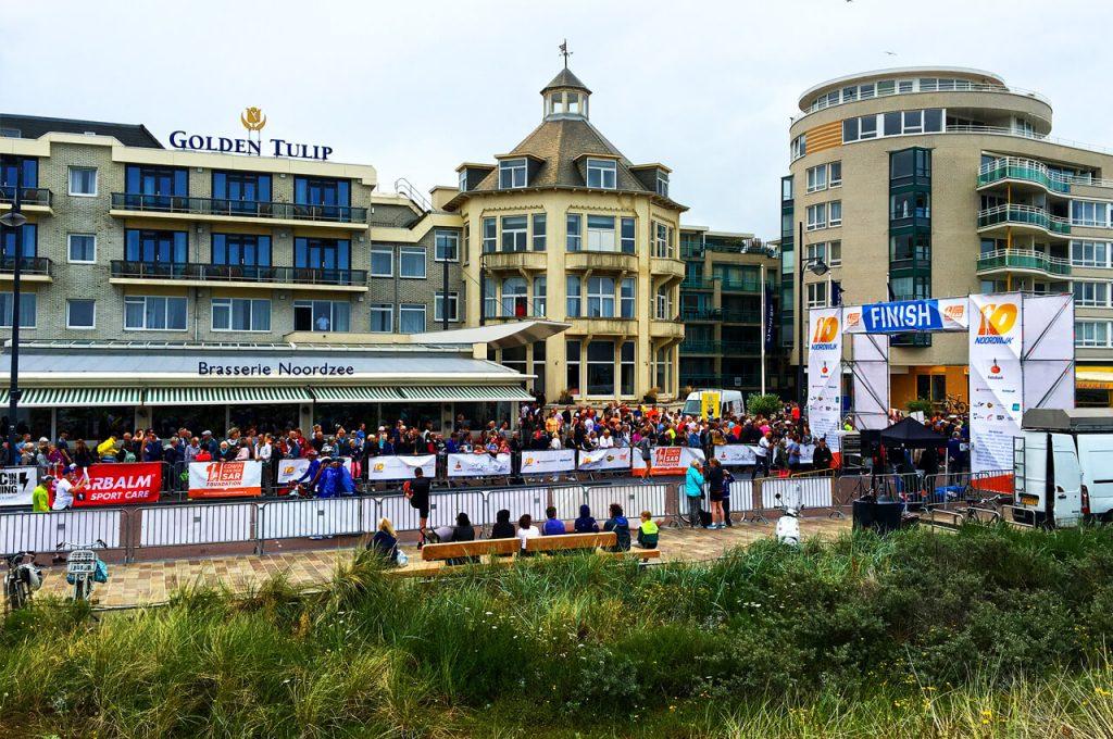 De finish van de 10 van Noordwijk