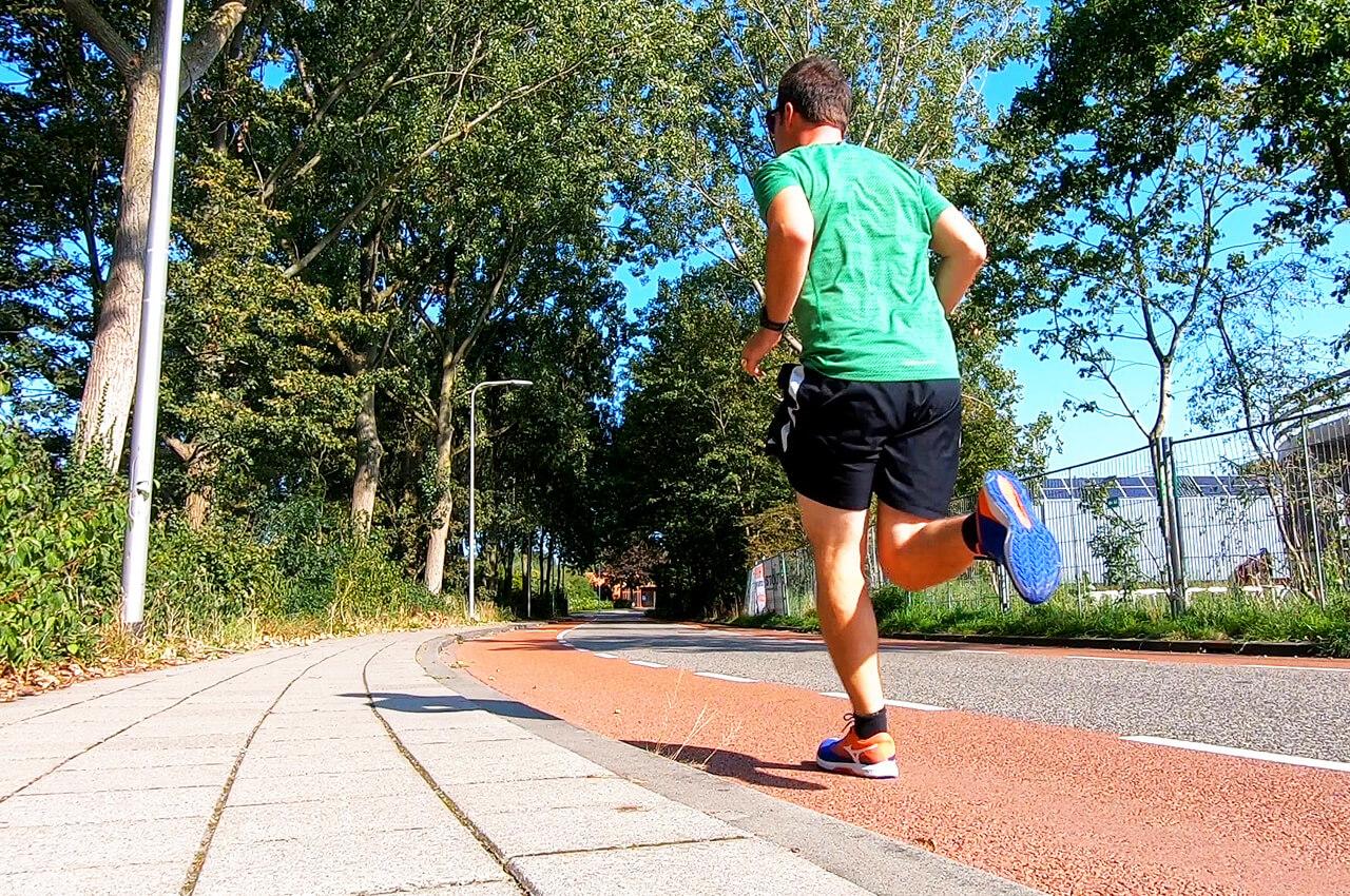 hardloopschema 60 minuten achter elkaar hardlopen