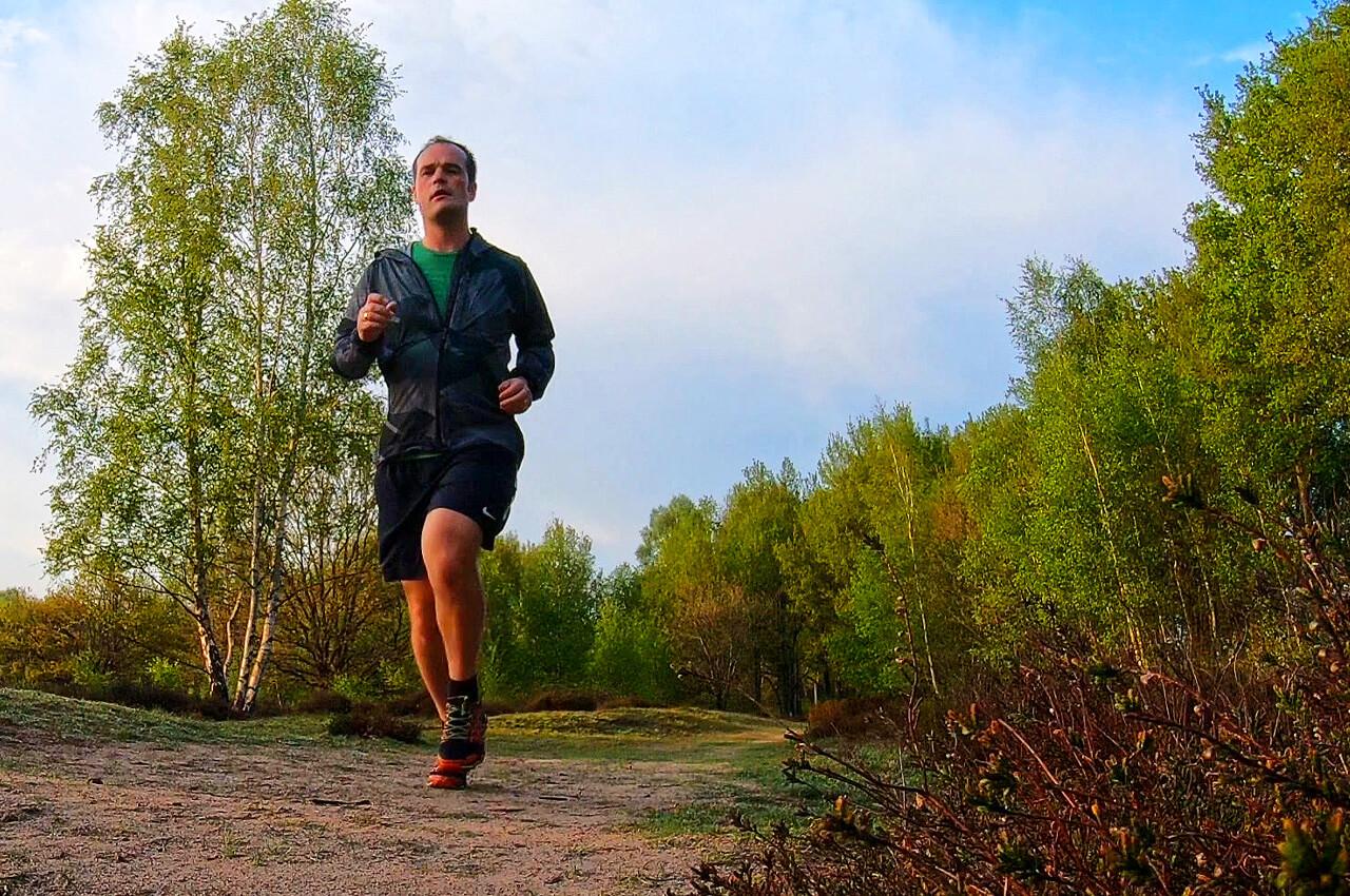 Hoe gebruik je armen tijdens het hardlopen?
