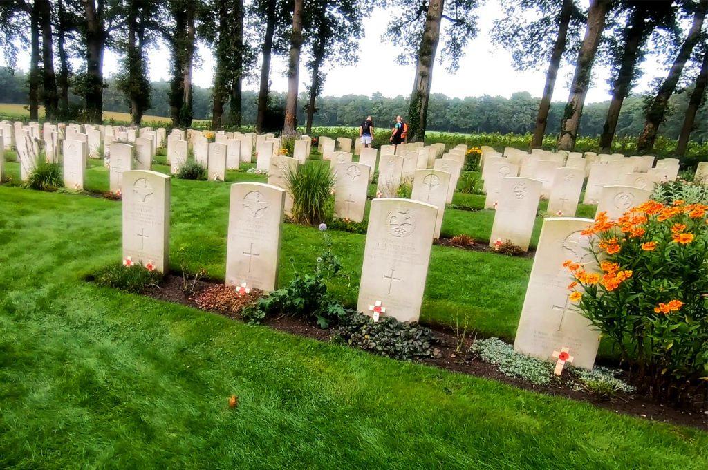 Tweede verzorgingspost bij de begraafplaats