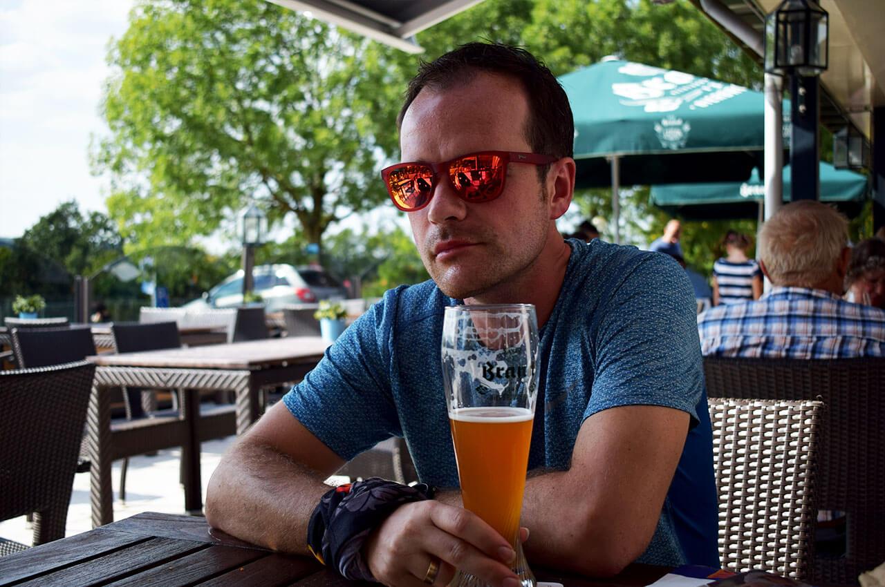 Biertje drinken na het hardlopen binnekort de Brewery Run Rotterdam