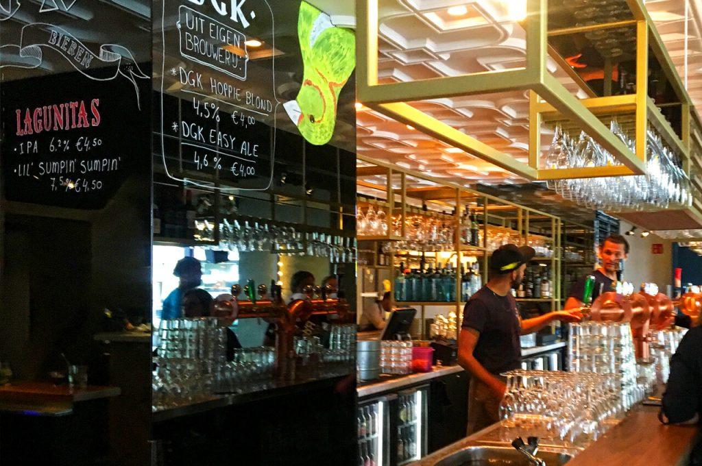 De bar bij de Gele Kanarie