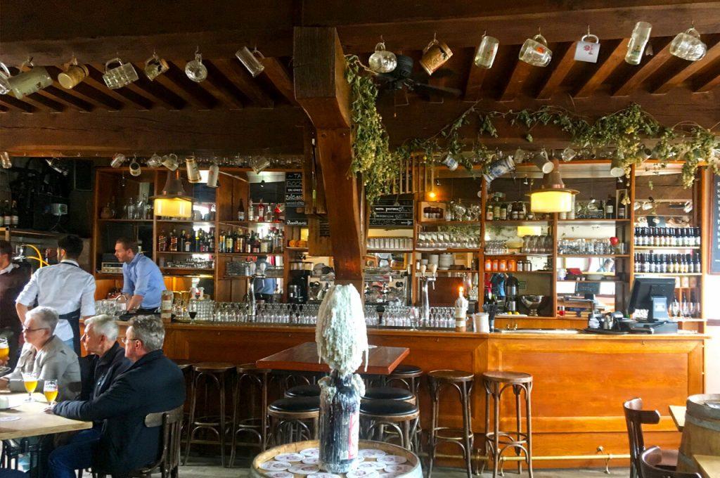 De bar van de Pelgrim in het oude Delfshaven