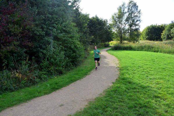 Hardloopsessie tijdens mijn trainingsschema 10 km in 50 minuten