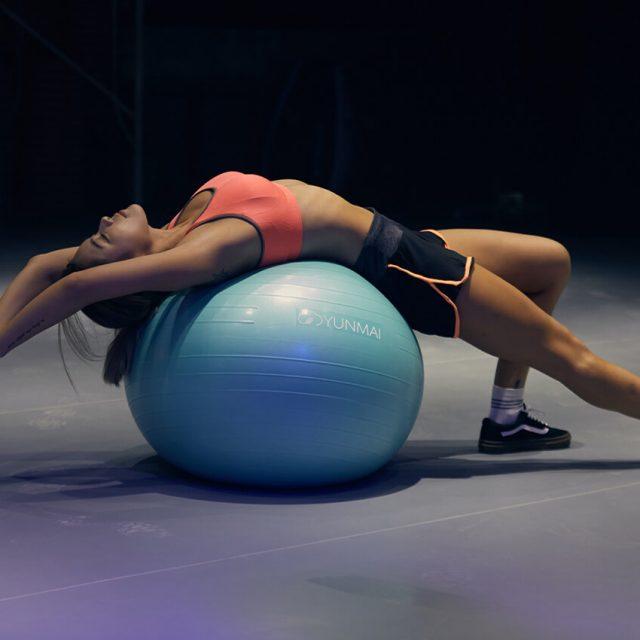 Oefeningen met een fitnessbal of stabiliteitsbal