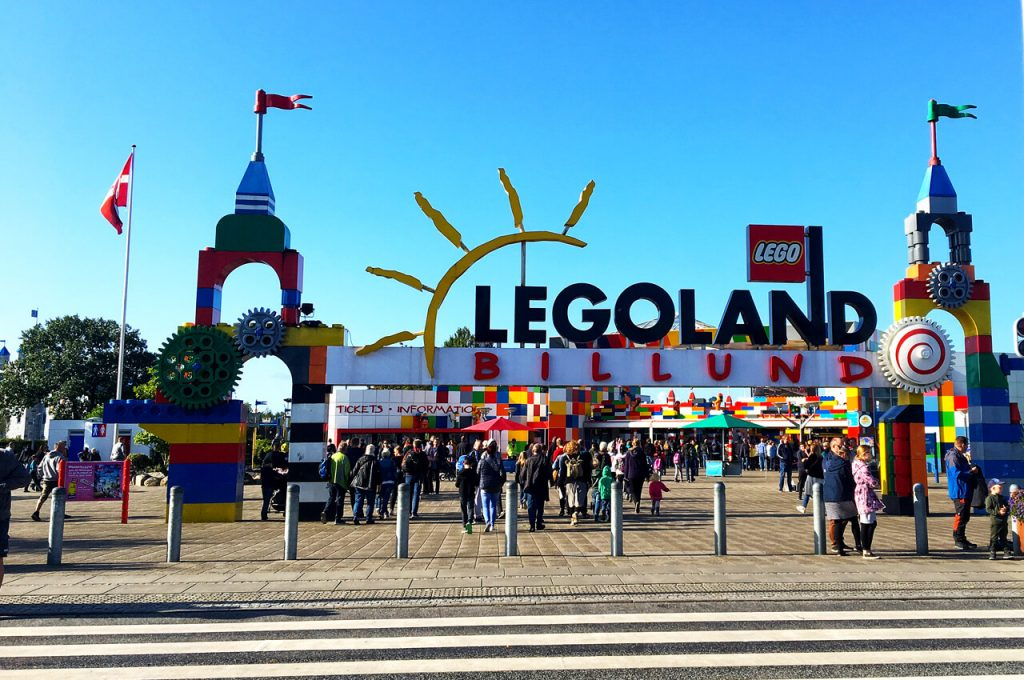 De ingang van Legoland