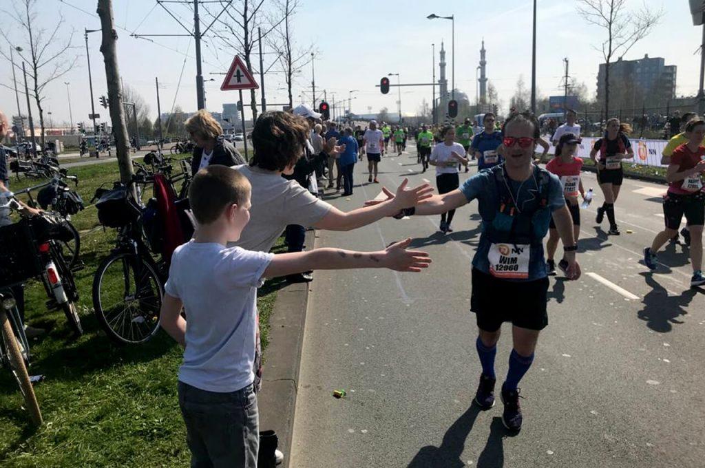 Support van familie tijdens marathon van rotterdam 2019
