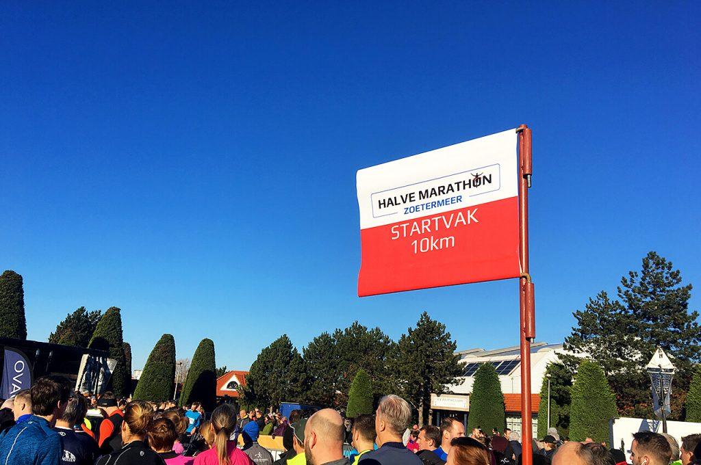 Startvak van de 10 kilometer bij de Rokkeveense Dekkerloop