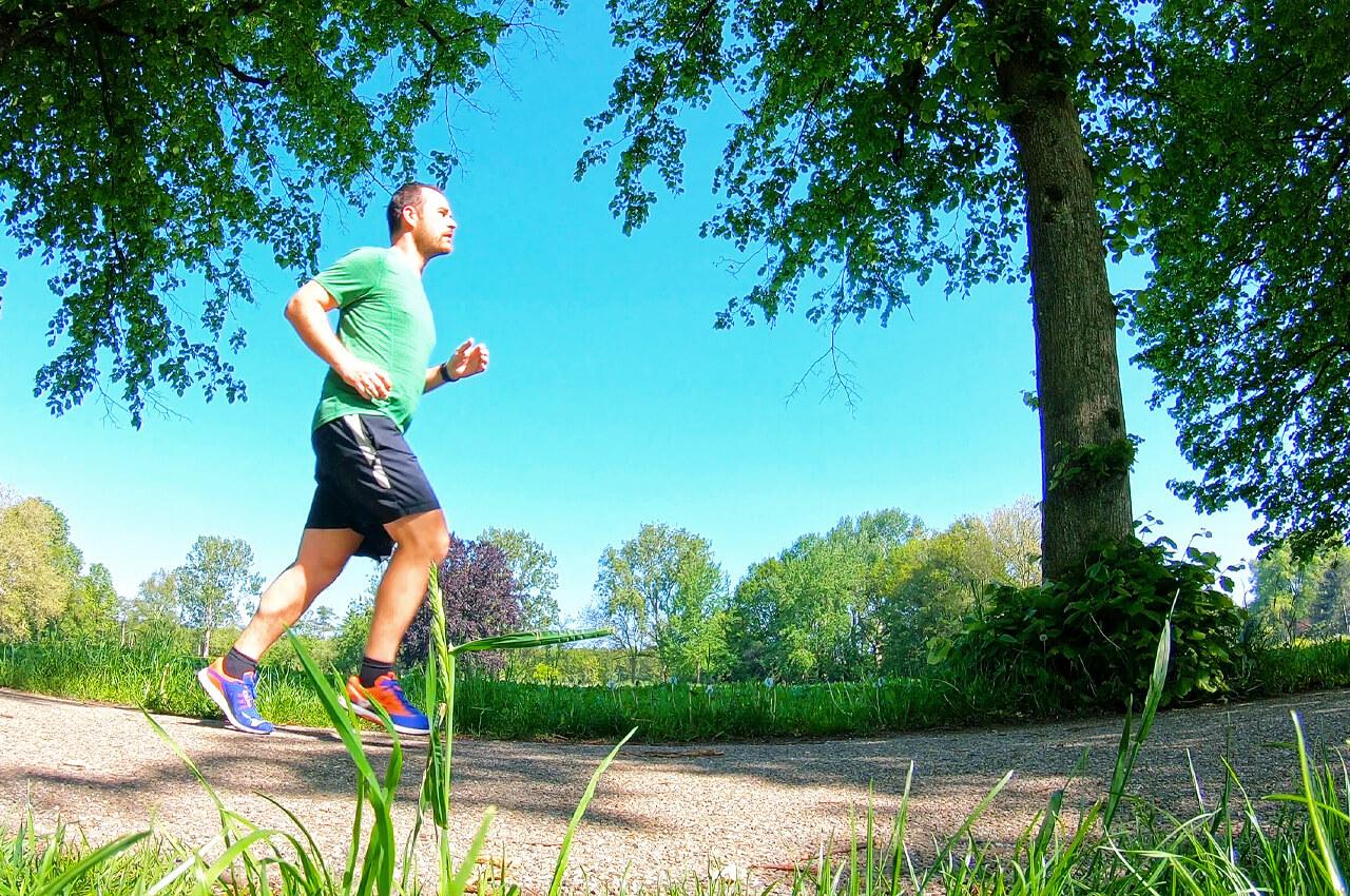 Een goede romphouding is belangrijk bij het hardlopen