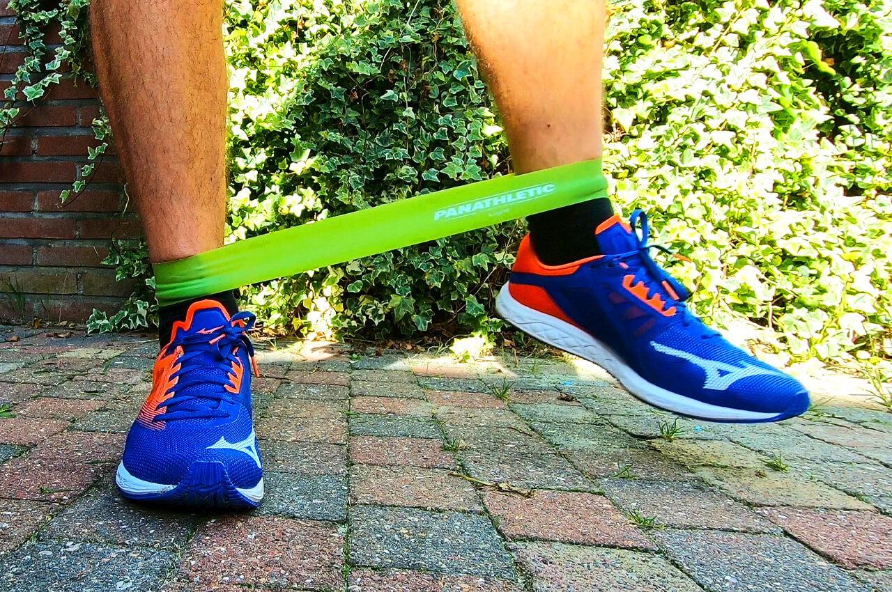 Weerstandsband oefeningen voor de benen